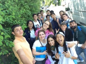 summer school students on trip to London