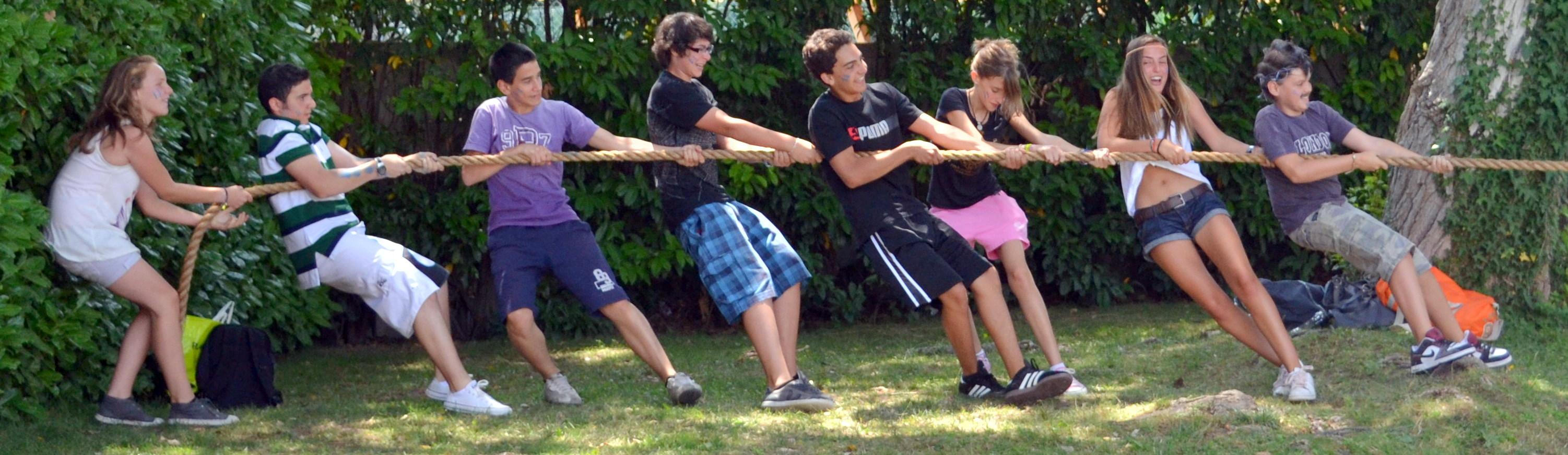 students pulling rope in their afterclass program
