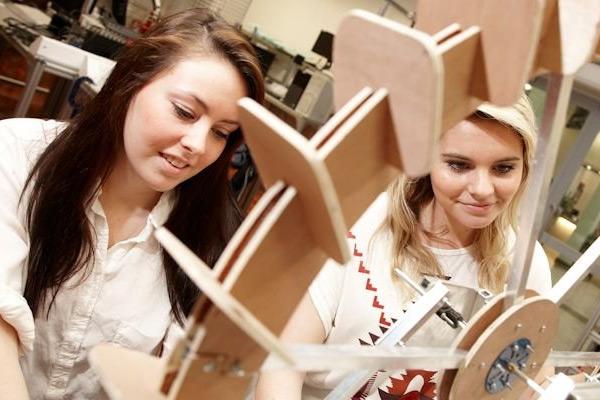 study Engineering Preparation course in LITE Regal Summer school